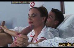 الإباحية مع ممرضة ما سخيف اثنين من المرضى Xxl