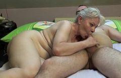 الإباحية عند تصوير فيلم باجا الدهون تمتص الديك الصغير