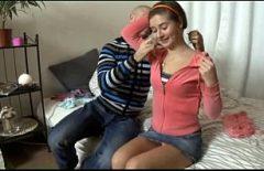 الروسية في حالة سكر ثم مارس الجنس من قبل أي شخص يريد الدخول إليها