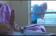 مثير برايليانكا مارس الجنس ومويتا يتبع الديك على النافذة
