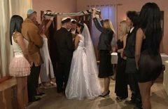 الاباحية بعد الزفاف يجعل محبي اللسان