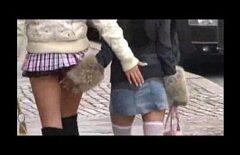 الفساتين البالغة من العمر 33 عامًا مثيرة لإرضاء صديقها الشاب
